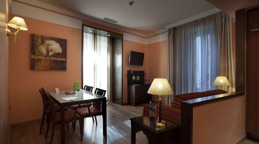 Suites Gran Via 44-18 of 45 photos