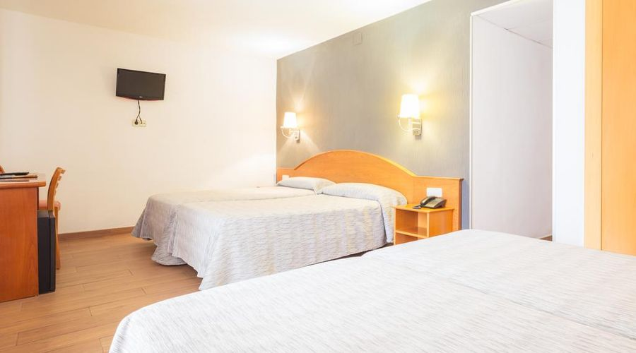 Hotel Cortes-9 من 30 الصور
