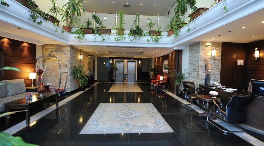 Lazourd Palace Hotel Apartments-14 of 29 photos