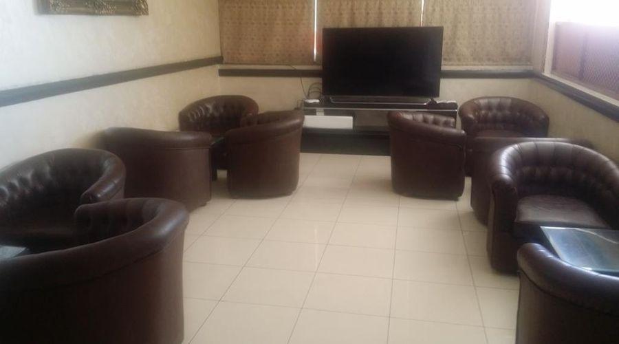 Dar Al Taif Suites-9 of 18 photos