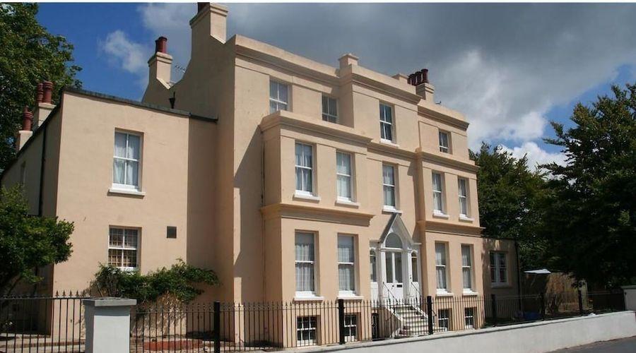 Manor House, Felpham Serviced Apartments-41 of 44 photos