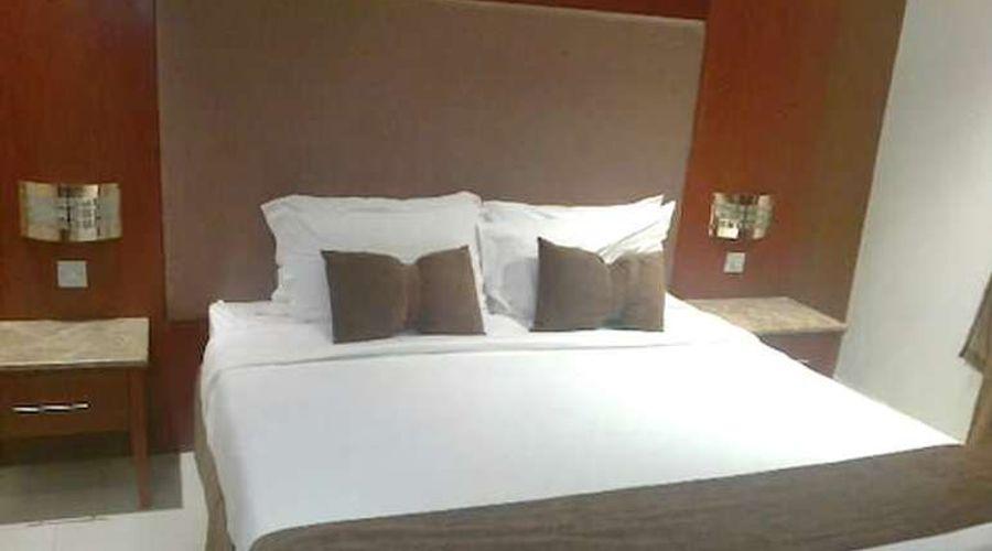 فندق المهيدب فرع التخصصي 1-5 من 14 الصور