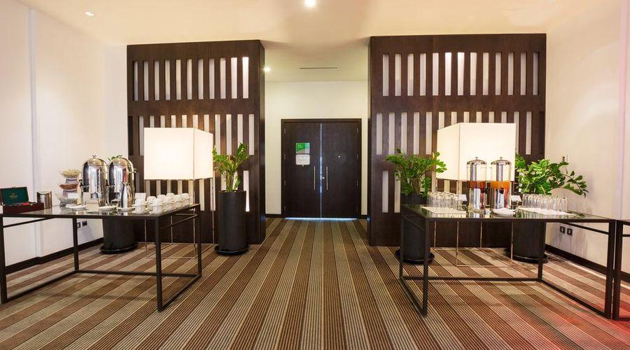 Holiday Inn Abu Dhabi-4 of 32 photos