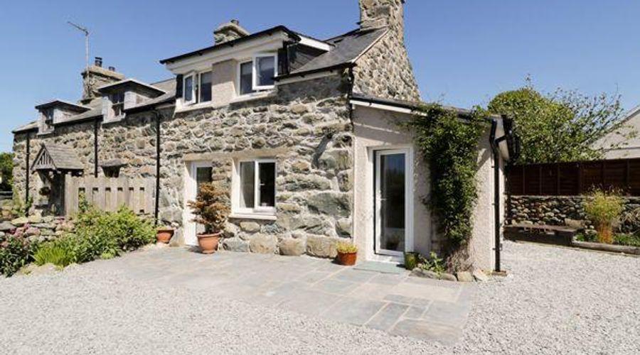 2 Borthwen Cottages-4 of 15 photos