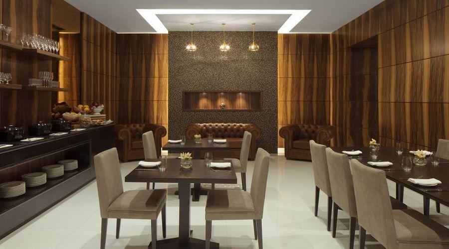 Radisson Blu Hotel, Dubai Waterfront-10 of 26 photos