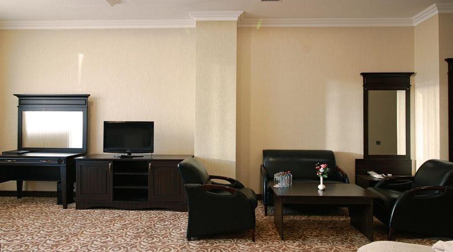 New Baku Hotel-9 of 21 photos