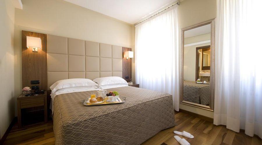 Hotel Fenice Milano-7 of 39 photos