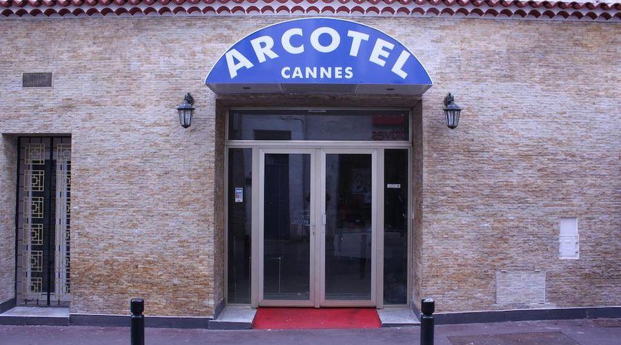 Arcotel-2 of 30 photos