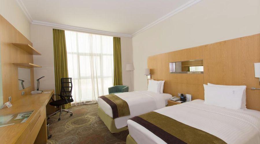 Holiday Inn Abu Dhabi-16 of 32 photos