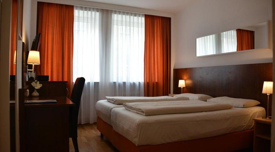 Hotel Italia-10 of 30 photos