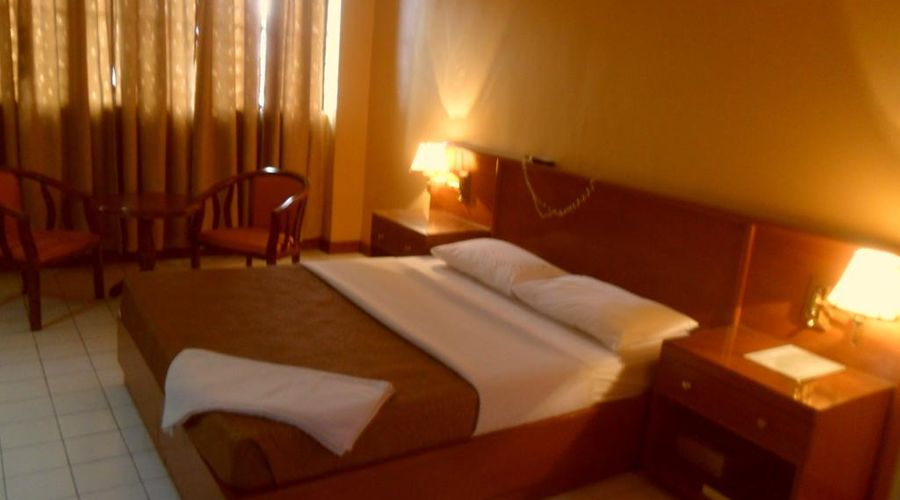 Hotel Soriente-6 من 20 الصور