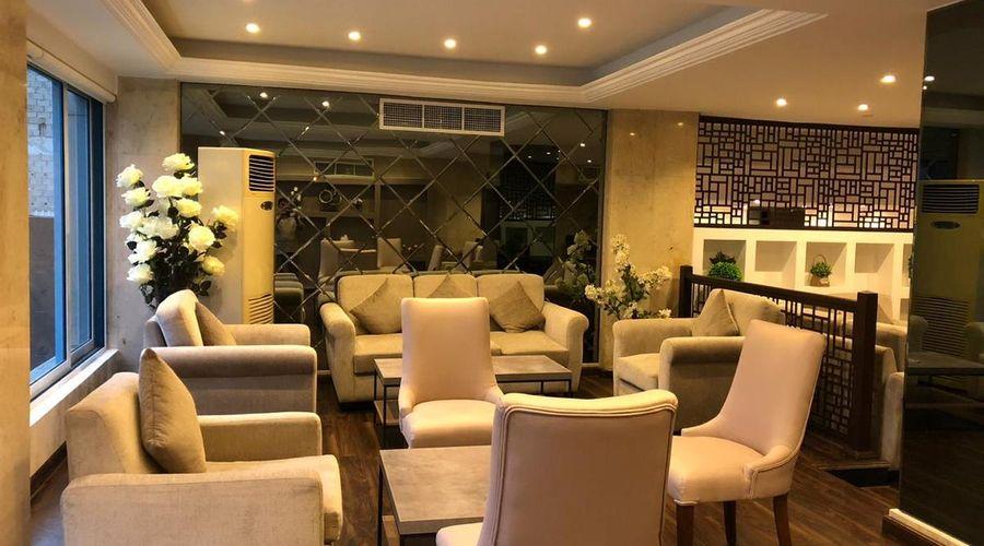 Al Bustan Hotels Flats-7 of 29 photos