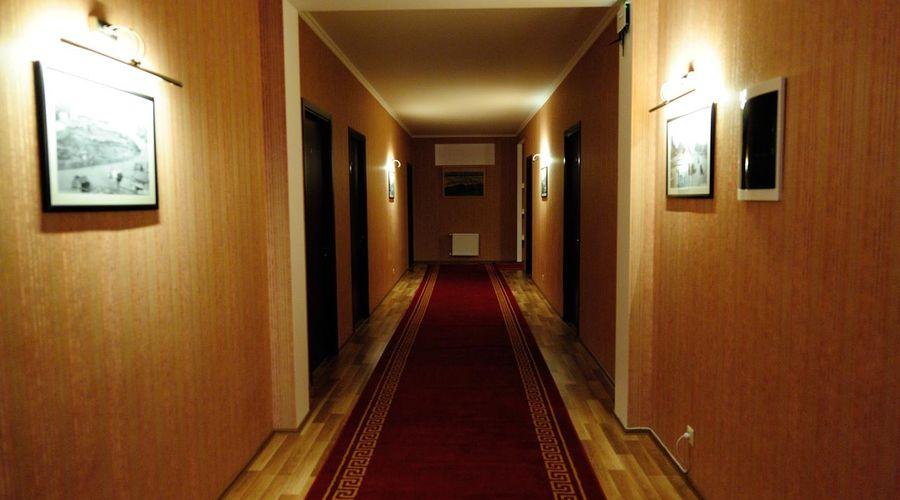 Darchi Hotel-18 of 32 photos