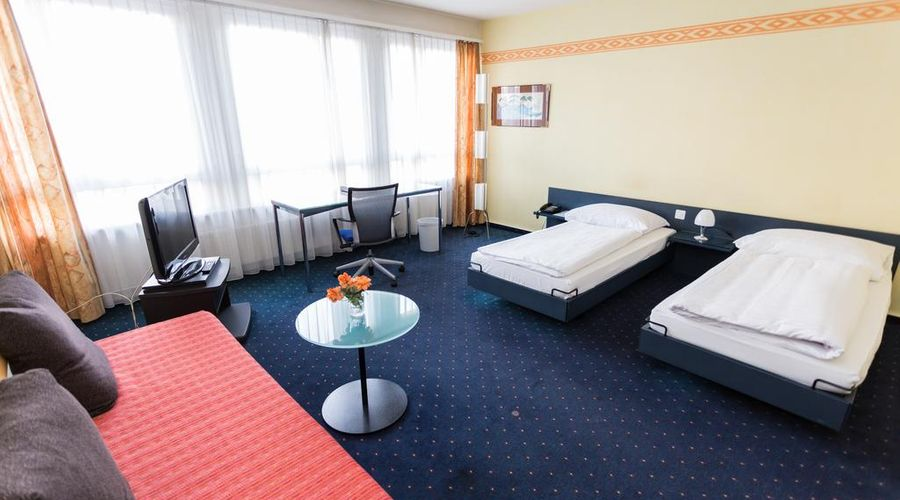 Hotel Comedie-2 of 31 photos