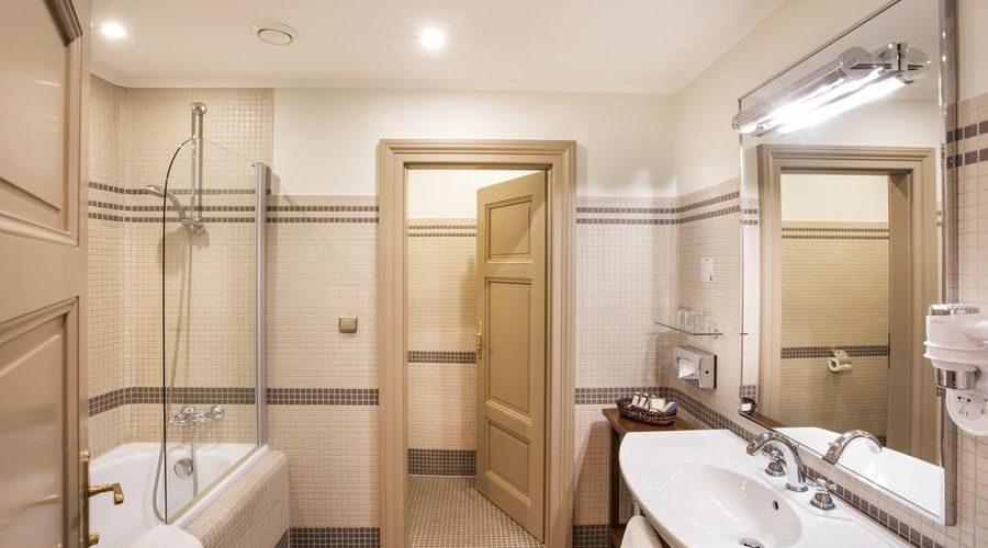 Iron Gate Hotel & Suites-19 of 30 photos