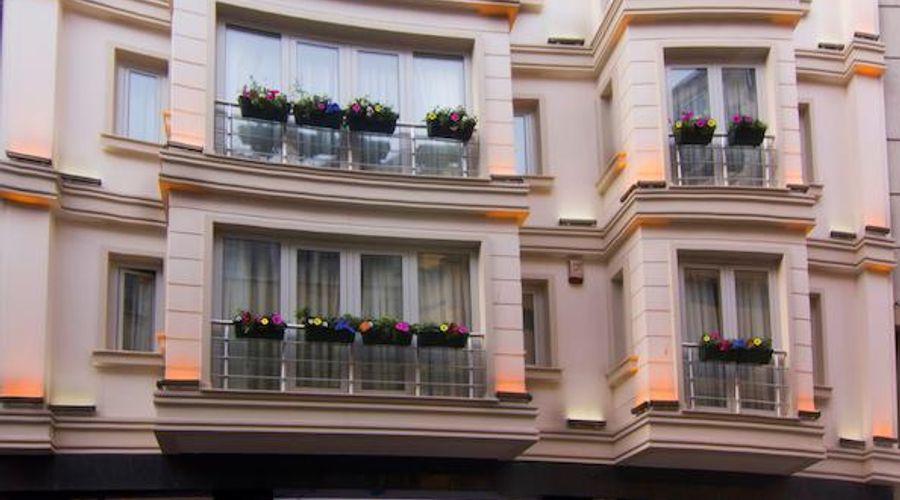 Aprilis Hotel-1 of 32 photos