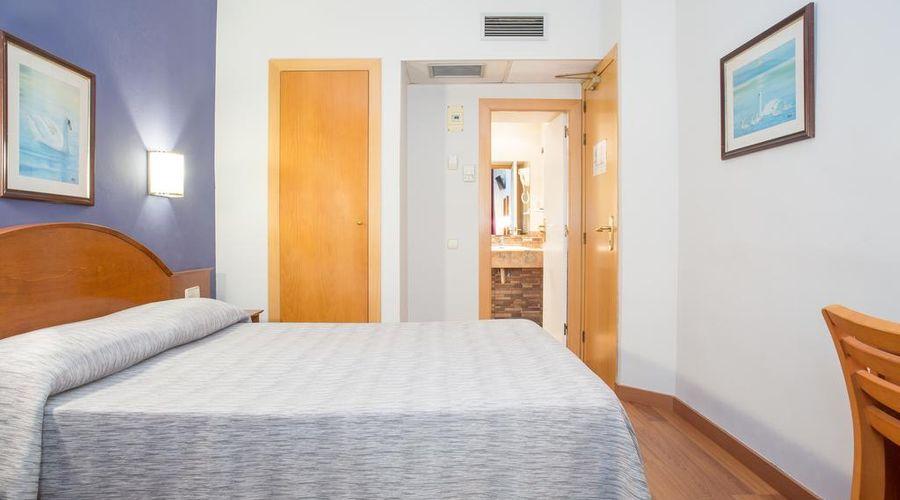 Hotel Cortes-4 من 30 الصور