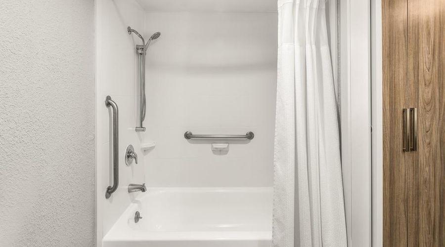 Comfort Inn Orlando - Lake Buena Vista-27 of 32 photos