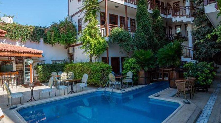 Hotel Karyatit-7 of 39 photos