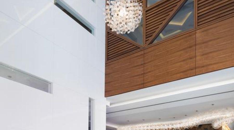Radisson Blu Hotel, Dubai Waterfront-3 of 26 photos