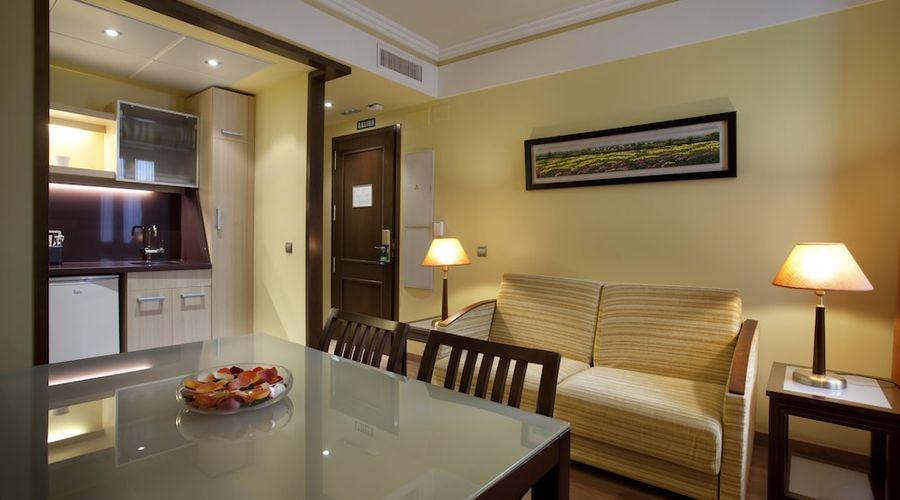 Suites Gran Via 44-24 of 45 photos