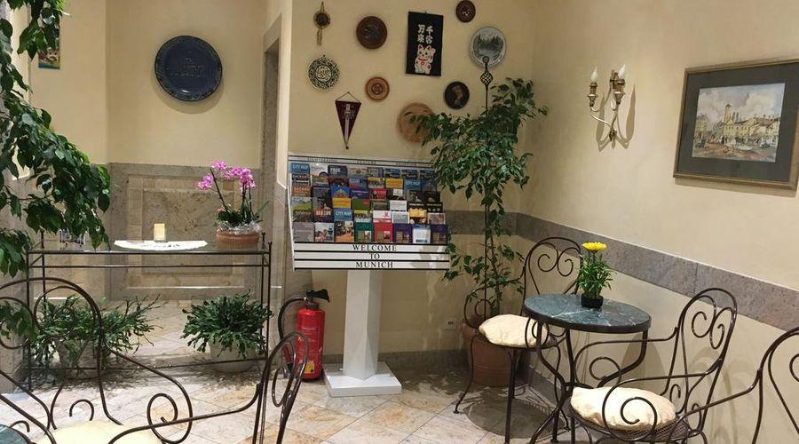 فندق هاوزر أن دير أونيفيرستيت-8 من 20 الصور