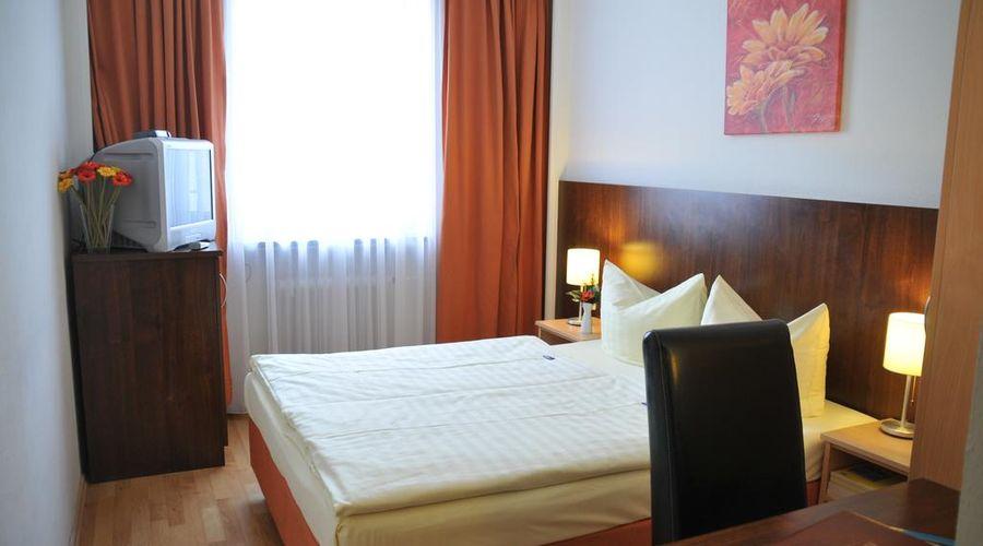 Hotel Italia-19 of 30 photos