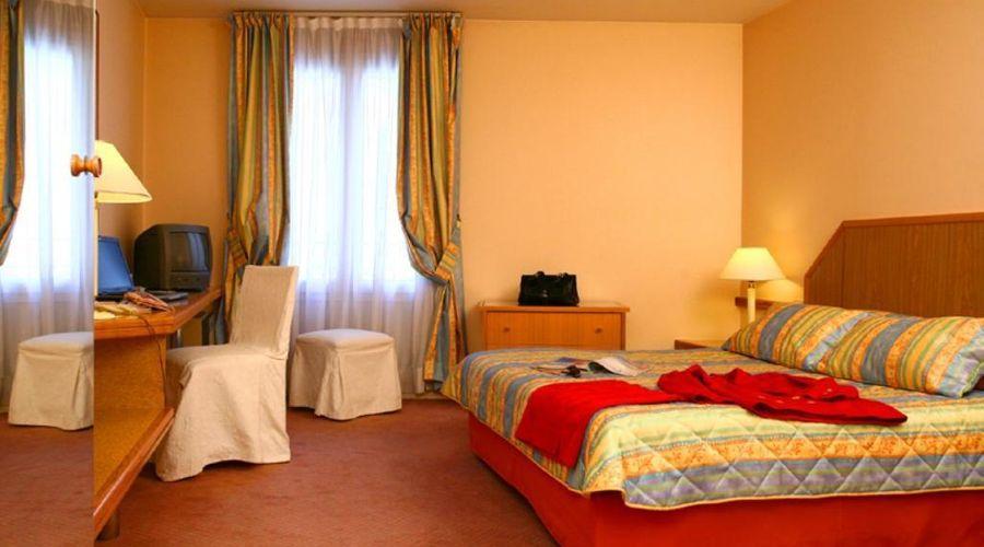 Hotel Fertel Etoile-6 of 20 photos