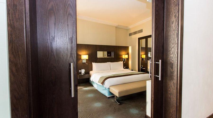 Holiday Inn Abu Dhabi-11 of 32 photos