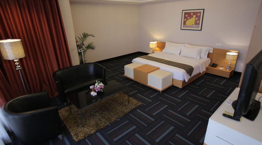 Merlynn Park Hotel-8 of 43 photos