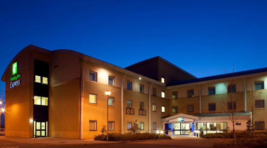Holiday Inn Express Cardiff Airport, An IHG Hotel-7 of 21 photos
