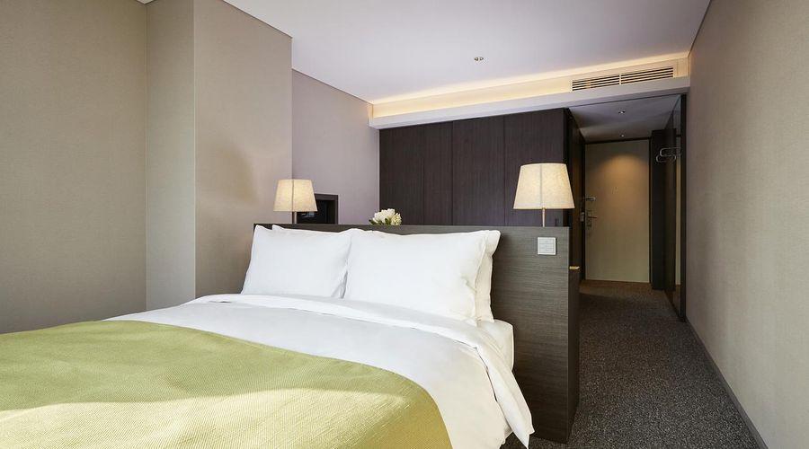 Nine Tree Premier Hotel Myeongdong 2-7 of 32 photos