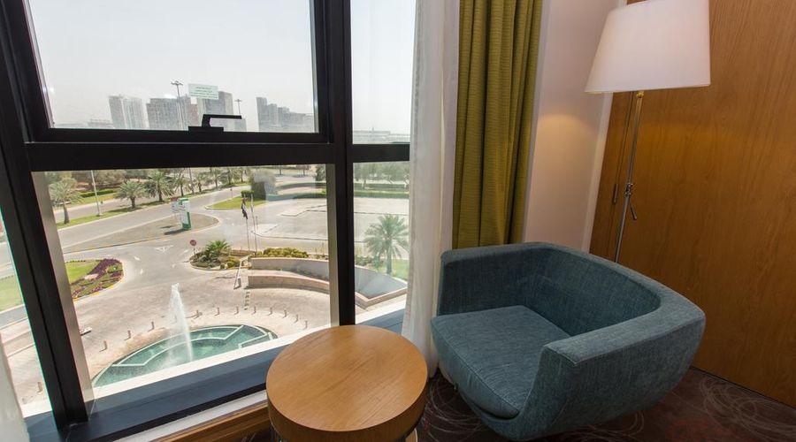 Holiday Inn Abu Dhabi-24 of 32 photos
