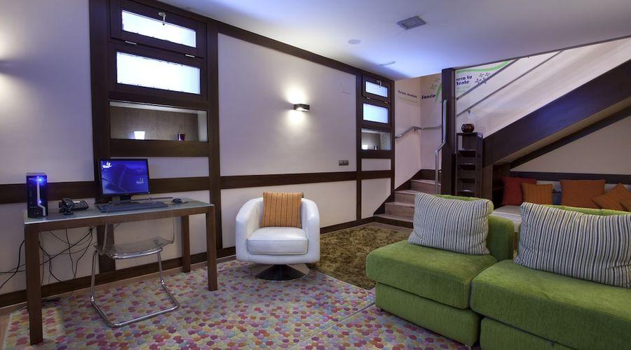 Suites Gran Via 44-21 of 45 photos