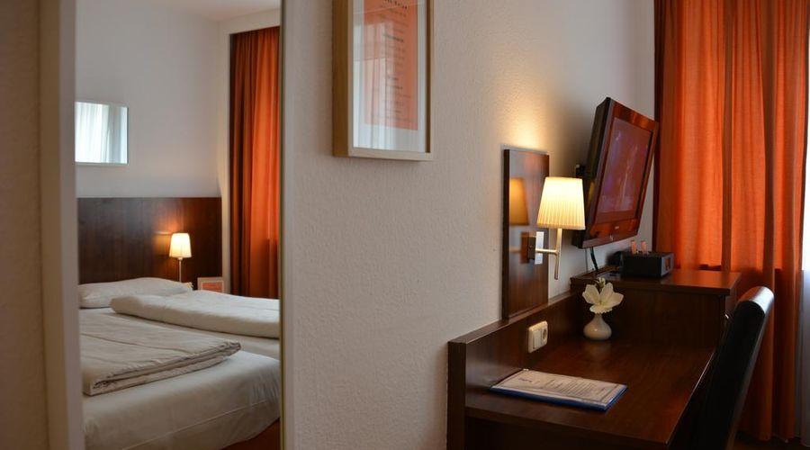 Hotel Italia-11 of 30 photos