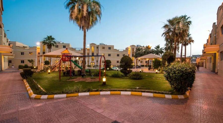 Boudl Al-Malaz-3 of 24 photos