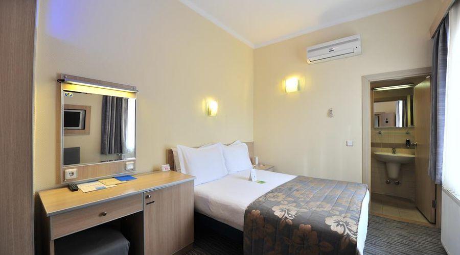 Hotel Olimpiyat-3 of 30 photos