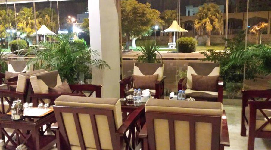 Al Ramla Al Hamra Furnished Units-17 of 30 photos