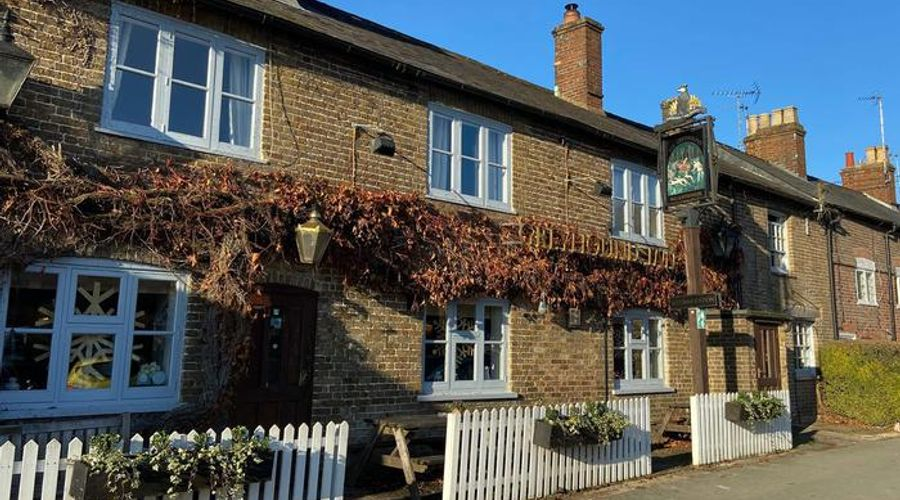 The Greyhound Inn Aldbury-7 of 25 photos