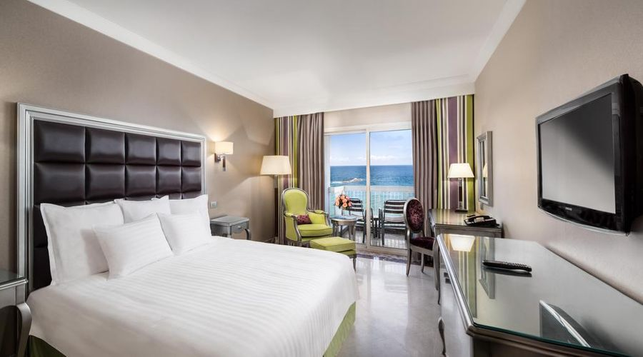 Hilton Alexandria Corniche-2 of 40 photos