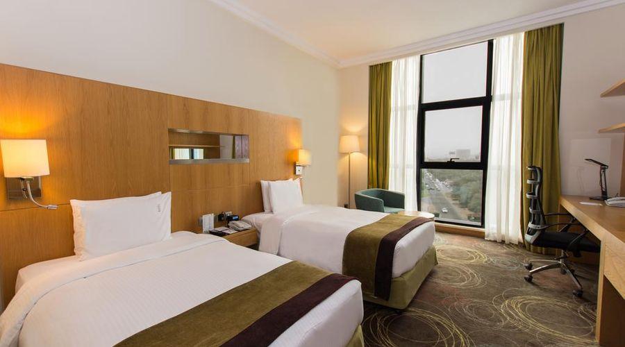 Holiday Inn Abu Dhabi-20 of 32 photos