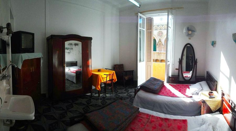 Triomphe Hostel-4 of 25 photos