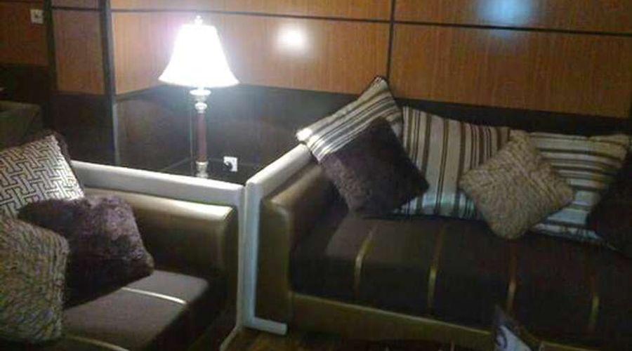 فندق المهيدب فرع التخصصي 1-8 من 14 الصور