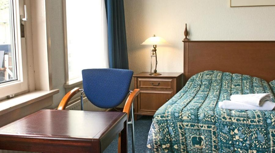 Hotel Prins Hendrik-2 of 20 photos