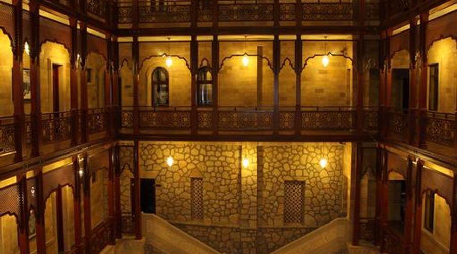 Shah Palace-3 of 30 photos