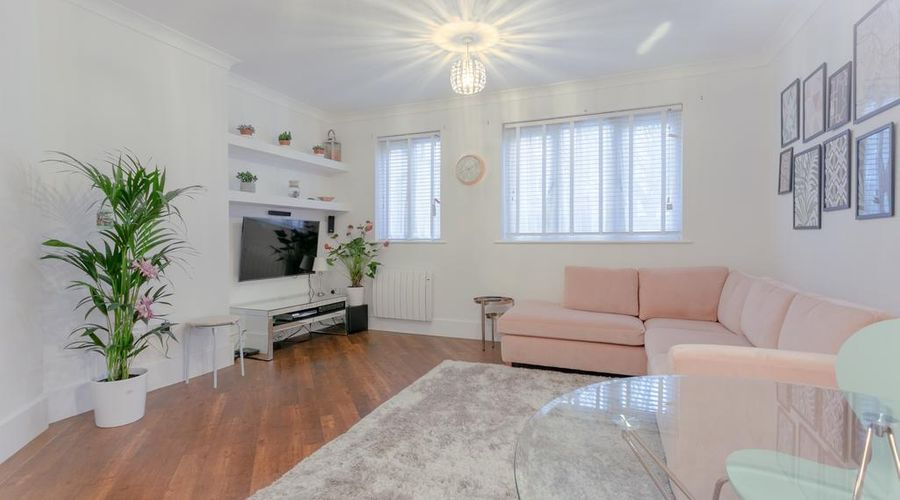 Refurbished Flat in Haggerston-1 of 10 photos