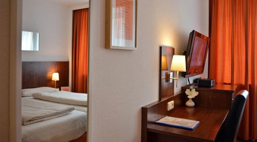 Hotel Italia-6 of 30 photos