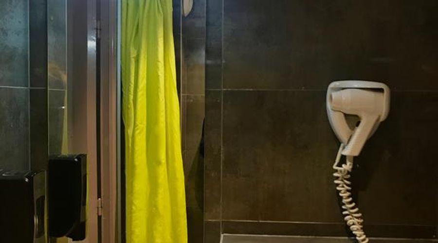 Plug Inn Montmartre By Hiphophostels-25 من 35 الصور
