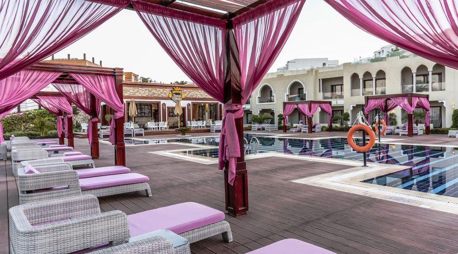 Sunrise Arabian Beach Resort -32 of 42 photos