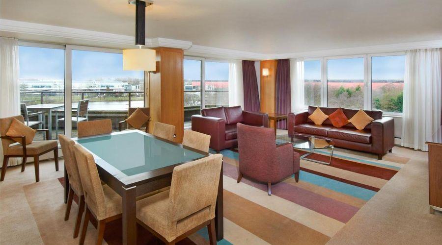 Hilton Birmingham Metropole Hotel-2 of 38 photos